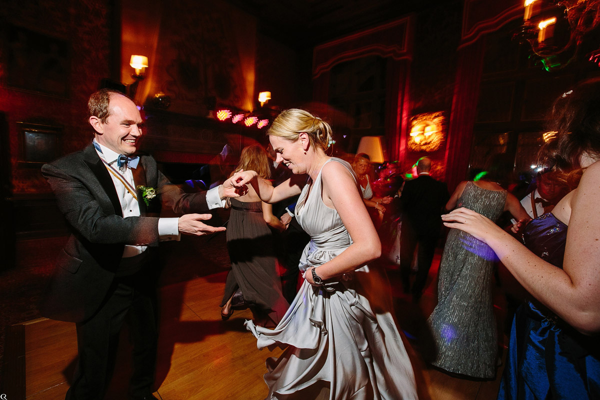 glückliches Tanzen