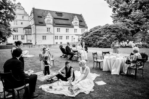 wedding in the castle hotel münchhausen wedding castle schwöbber