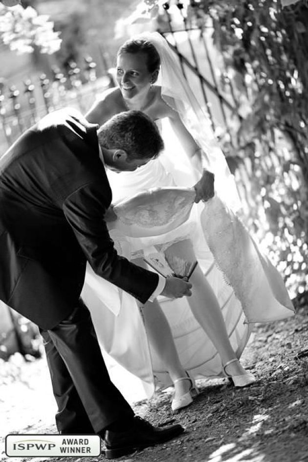 funny bridal couple pictures