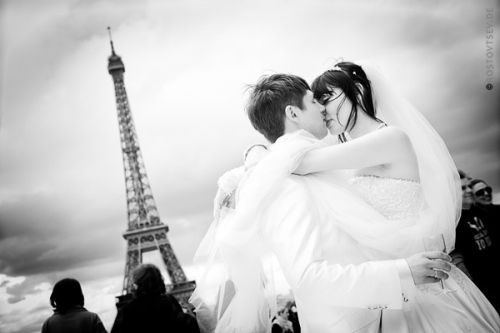 honeymoon in paris. wedding photographer paris
