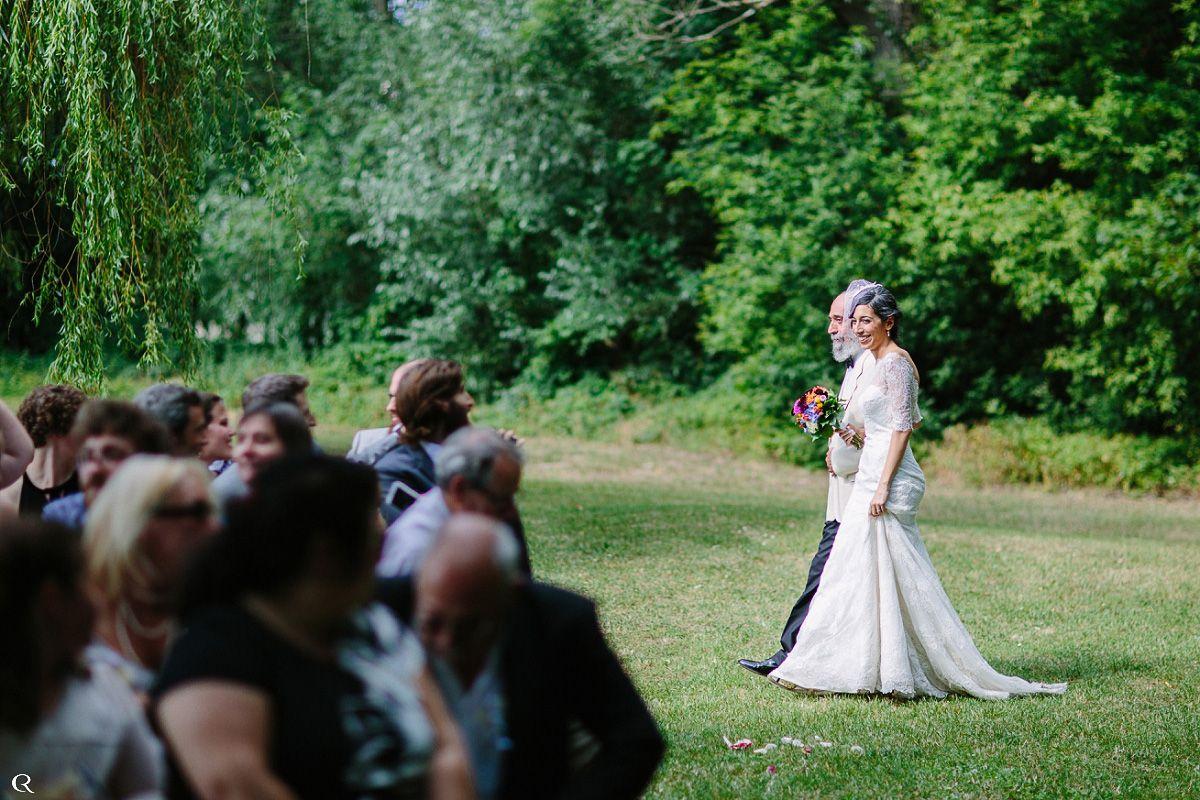 Braut vor Altar