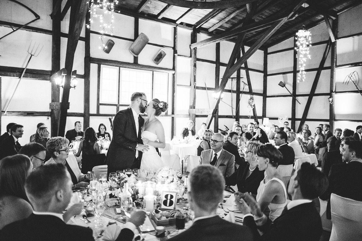 Hochzeitskuss, erste kuss
